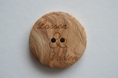 Button Olive Wood Lossen & Vasten